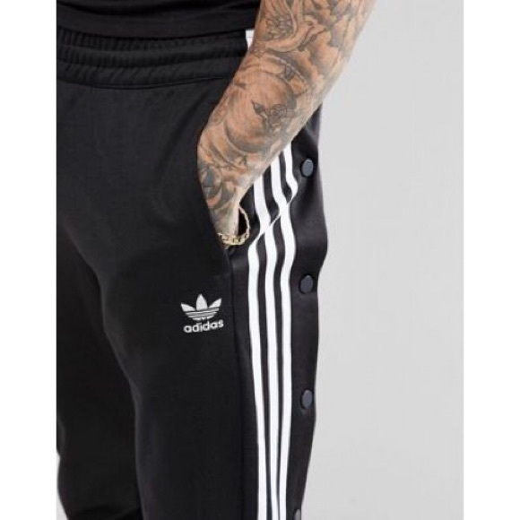 Adidas Originals adicolor Popper Joggers in black